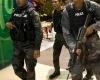 Грабители с молотками вызвали хаос в крупнейшем торговом центре на Филиппинах