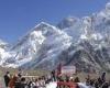 После схода лавины на Эвересте все экспедиции на вершину собираются отменить