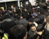170 человек пострадали при столкновении двух поездов в метро