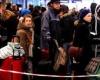 Сбой работы в компьютерной системе привел к образованию гигантских очередей в аэропортах Великобритании