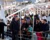 12 мигрантов в Греции утонули при буксировке их судна пограничниками