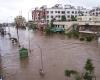 В Индии тысячи людей остались без крыши над головой