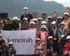Волонтеры помогают непальским школьникам