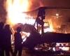В Сибири загорелся туристический автобус