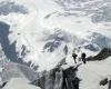 В Гималаях пропали более 150 туристов