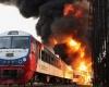 Около 600 человек оказались заблокированными в горящем поезде во Франции