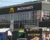 McDonald's временно закрывает свои рестораны в Крыму