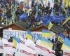 В Украинской столице строят баррикады